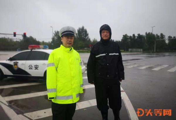 副支队长胡泳冒雨到桓台大队督导检查工作 (1).jpg